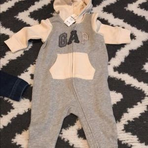 Brand new baby gap items.
